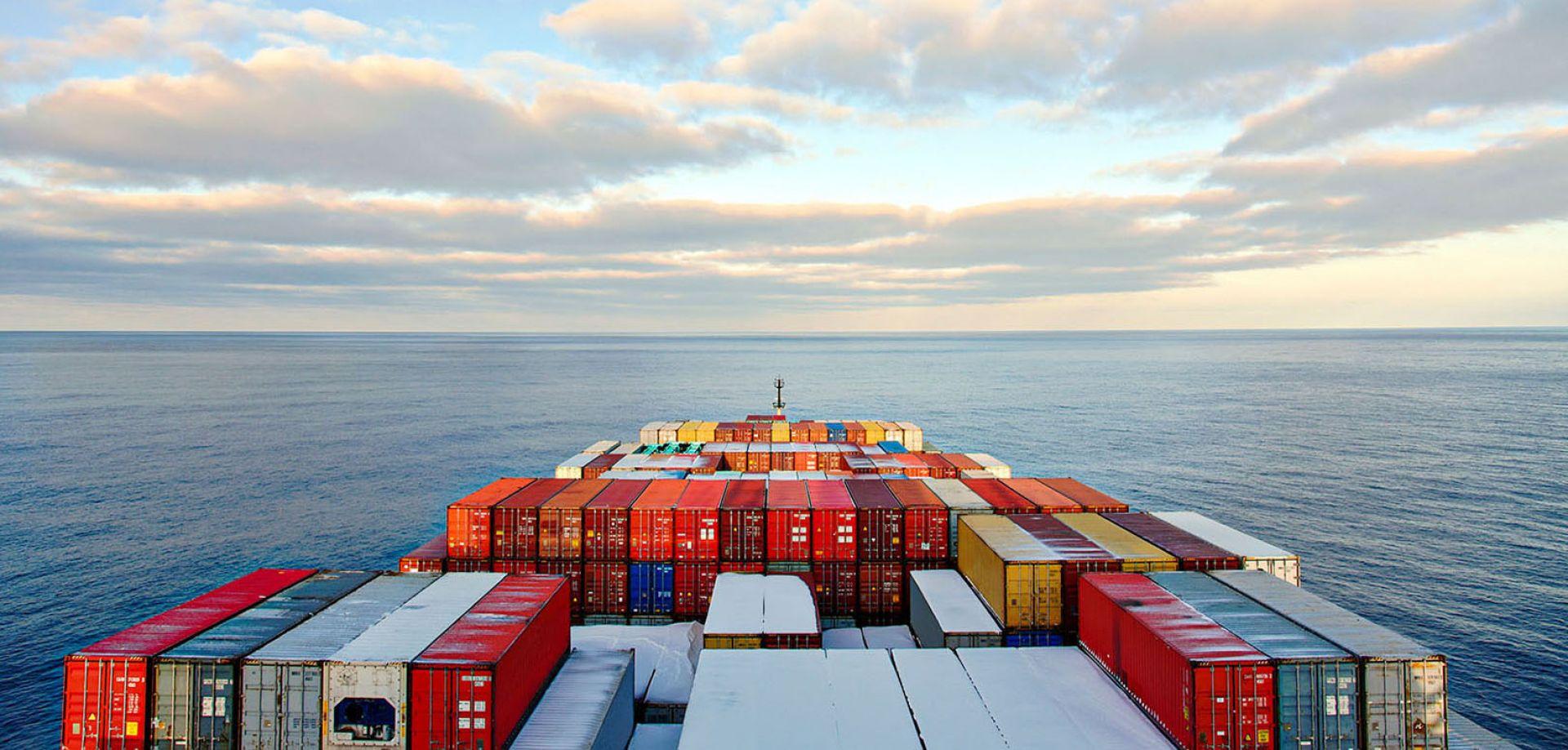 Gaat u emigreren? Wij loodsen u graag door het logistieke proces.